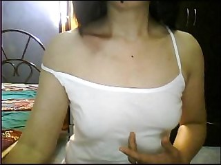 Philipina married show tits on cam when husband is not at home
