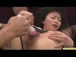 Nozomi gives an asian blow job for cum