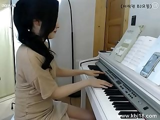 Cute korean girl masturbate more sexgirlcamonline site