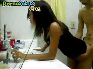 Cogiendo en el bao www pornosotros org