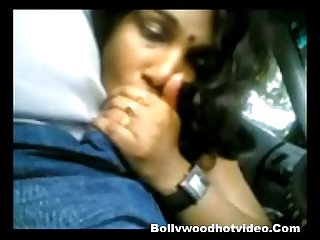 Namita Bhabhi Giving Blowjob in Car