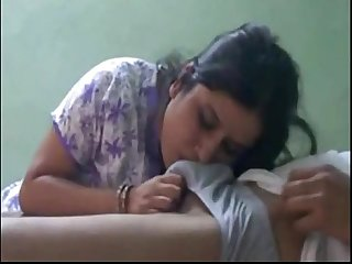 Indian desi cute bhabi sucking lover wowmoyback