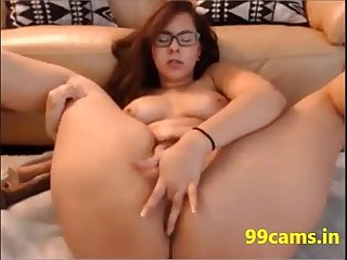 Mommy with huge ass and huge boobs visit 99cams in