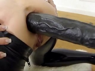 Fetish Ass Play With Huge Dildo - v1pcamz.com
