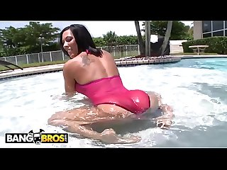 BANGBROS - PAWG Rachel Starr Is The GOAT, Comment If You Agree