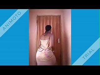 Klassischer Porno Bilder Glückspilz fickt zwei Retro-Mädchen Mandingo und Ebenholz Porno